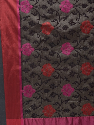 floral motif woven saree with blouse - 15622890 - Standard Image - 4
