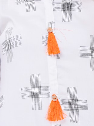 Printed straight kurta with tassels - 15626356 - Standard Image - 4