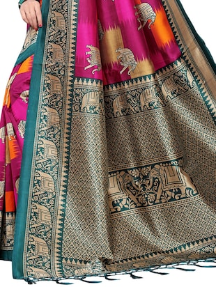 conversational printed saree with blouse - 15729596 - Standard Image - 4