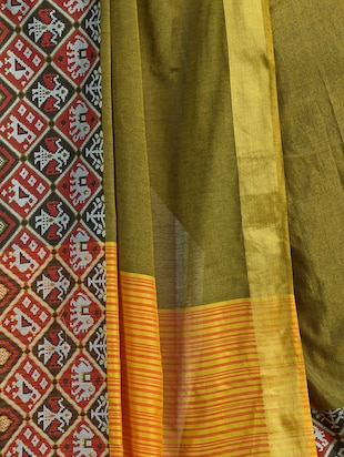 geometrical motif linen patola saree with blouse - 15731215 - Standard Image - 4