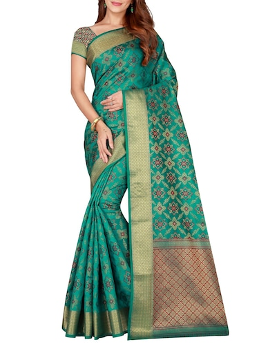 green silk woven saree with blouse - 15773525 - Standard Image - 1