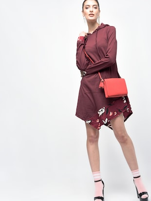 asymmetric hooded dress - 15907076 - Standard Image - 4
