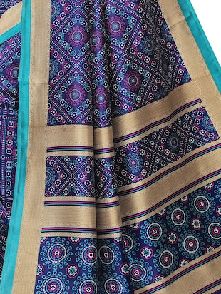 floral printed saree with blouse - 15954310 - Standard Image - 4