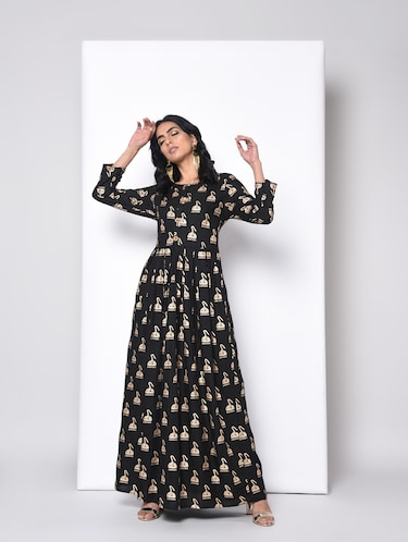 f35ded7cfeecb Anarkali Kurtis - Upto 50 % Off on Anarkali Kurti Online in India