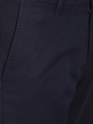 navy blue solid chinos - 16106862 - Standard Image - 4