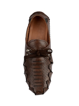 brown leatherette lace up shoes - 16158027 - Standard Image - 4