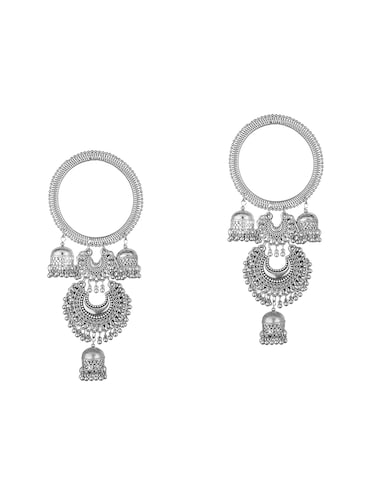 4f4b77f2792a0 Earrings For Women - Buy Designer Jhumkas & Studs for Women at Limeroad