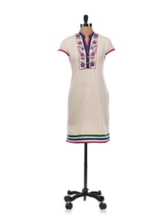 Beige Kurta With Pretty Floral Embroidery - Global Desi