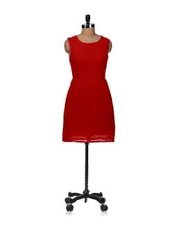 Pleat Style Dress- Red - Besiva