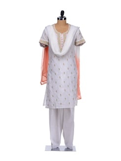 Elegant White And Peach Floral Suit - Vedanta