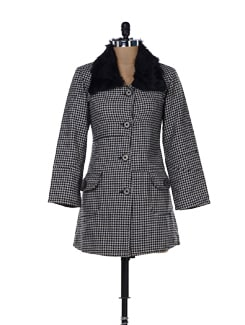 Stylish Aztec Woollen Jacket With A Fur Collar - MARTINI