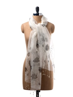 Black And White Floral Print Scarf - WELKIN