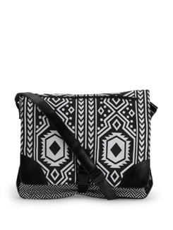 Black And White Ikkat Print Bag - SUNNY ACCESSORY