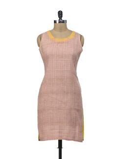 Dull Pink Checks Kurta With Neon Thread Embroidery - Morpunc