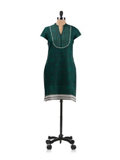 Black And Green Printed Kurta With White Detailing - Aurelia