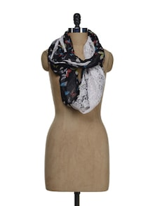 Butterfly Lace Embellished Snood - Ivory Tag