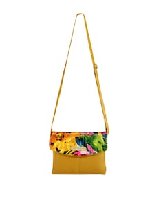 Chic Sling Bag With Floral Flap - Lino Perros 50430
