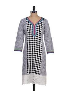Cotton Kurta With Chequered Panel - Paislei