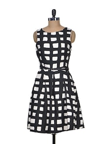 Black And White Gorgeous Dress - Mishka