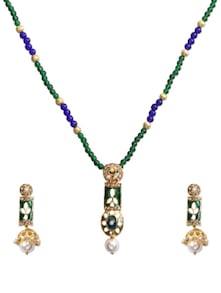 Green Heavenly Pendant Necklace Set - KSHITIJ