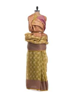 Green Cotton Saree With Contrast Border - Bunkar