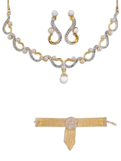 Pearl And Austrian Diamond Necklace Set (Free Bracelet) - Oleva