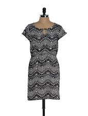Black And White Chevron Print Casual Dress - Sohniye