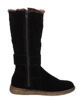Stunning Black Boots With Fur Embellishment - Stylistry