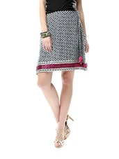 Black And White Printed Cotton Skirt With A Pink Border - Glam And Luxe