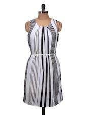 Beautiful Black And White Sleeveless Dress - Silk Weavers