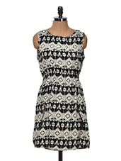 Black And Beige Printed Dress - Queens