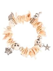 Beige Shell Charms Bracelet - THE BLING STUDIO