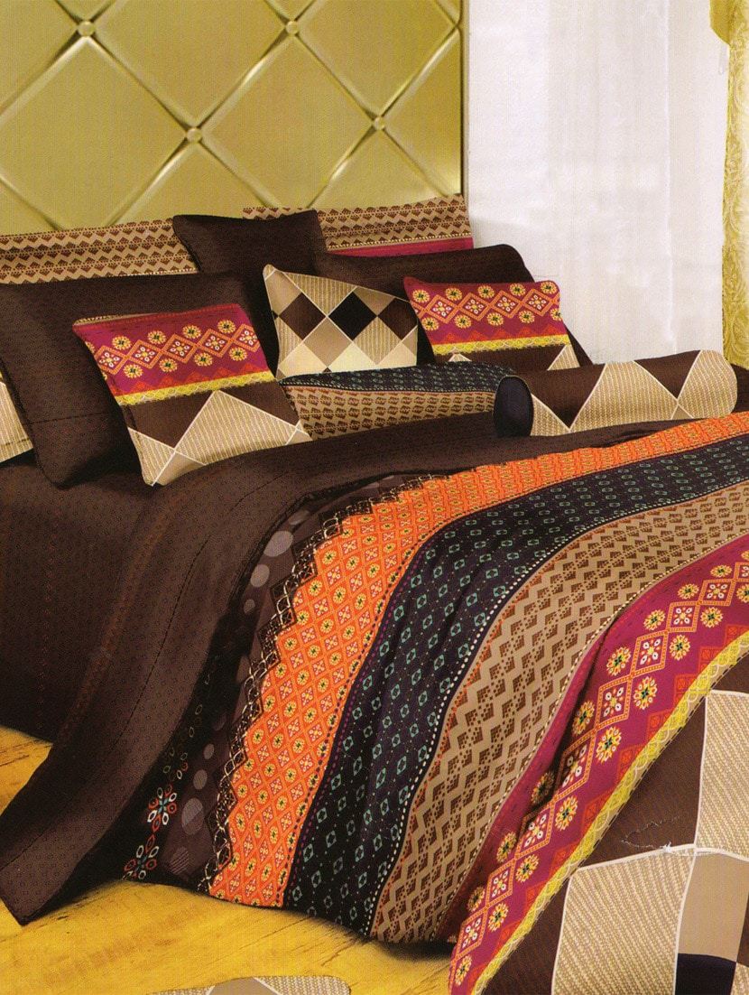 Beautifully Printed Multicolored Bed Linen With Pillow Covers - Skap